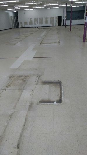 Before & After Commercial Floor Cleaning in (1)
