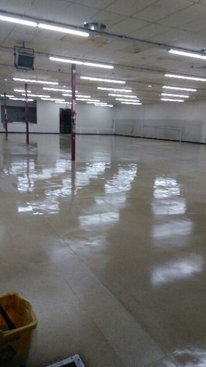 Before & After Commercial Floor Cleaning in (4)